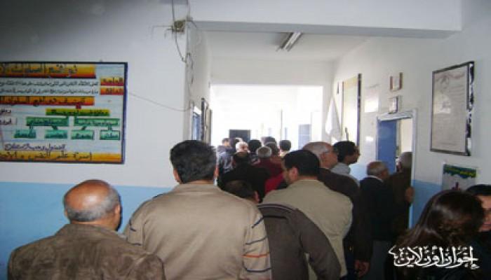 الإقبال يتضاعف على لجان الاستفتاء بالتجمع الخامس