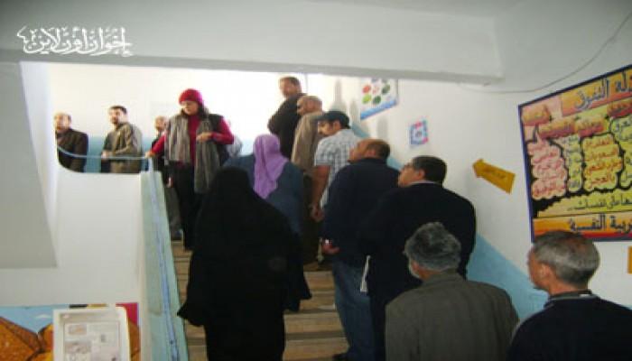 آلاف الناخبين أمام لجنة الرئيس المخلوع برغم الزحام