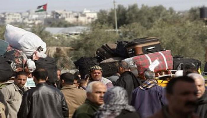 الإندبندنت: آلاف المصريين عالقون بمطار طرابلس