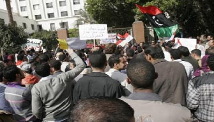 الموت يحاصر المصريين في ليبيا.. وشفيق يتنصل