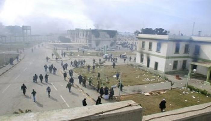 القذافي يحرق ليبيا.. والثوار يسيطرون على طرابلس