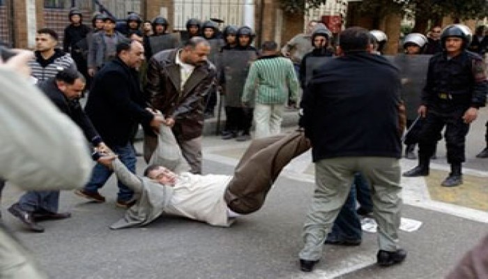 المطالبة بالتحقيق في اعتقال محمد عبد القدوس وزملائه