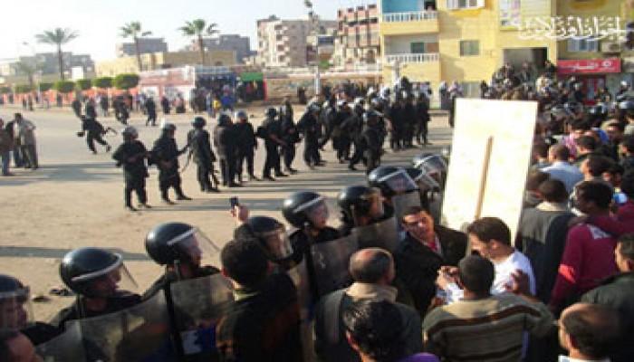 الأمن يعتقل العشرات من مظاهرة المنصورة