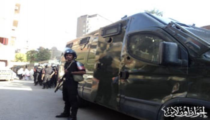 اعتقال ناشطة بالغربية وحصار مشدد لأسيوط