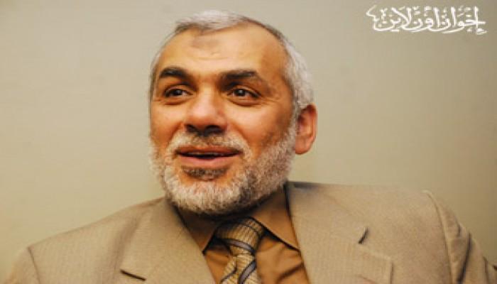 القضاء يخلي سبيل د. محيي حامد وإخوانه