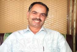 إطلاق سراح الكاتب الصحفي بدر محمد بدر و12 آخرين
