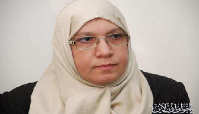 منال أبو الحسن: خطتنا ثابتة لا يغيرها منافسة وزير