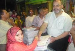 الحسيني يكرِّم المتفوقين بالمحلة وسط حصار أمني!