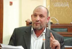 سعد حسين يُكرِّم طلاب البتانون المتفوقين