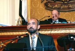 """حلمي يشارك في جنازة رئيس نادي """"حرس الحدود"""""""