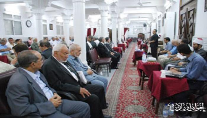 قيادات الإخوان يتقدَّمون عزاء الشيخ تعيلب
