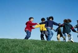 برنامج تربوي للأطفال من خلال نشاط صيفي