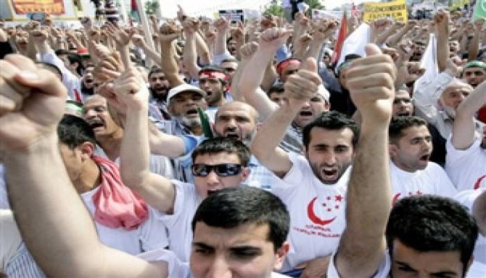 إيران تعلن استعدادها لحماية قوافل الحرية