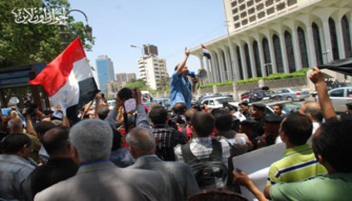 """الإخوان يتقدمون وقفة التضامن مع """"أسطول الحرية"""""""