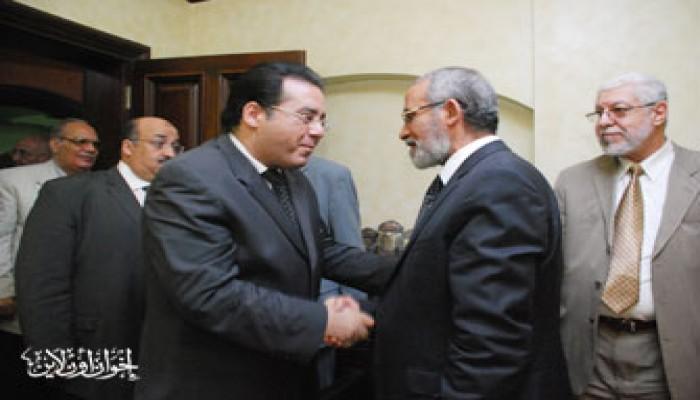 المرشد العام يستقبل د. أيمن نور وقيادات حزب الغد