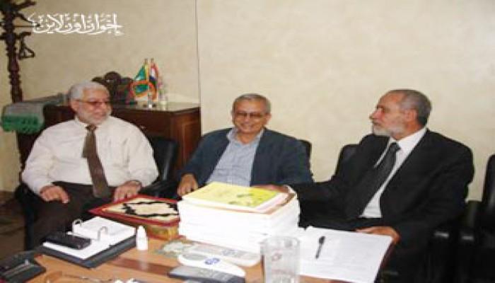 المرشد العام يستقبل د. رفعت سيد أحمد