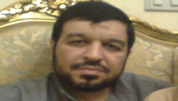 """مصطفى سالم: """"العسكرية"""" مسرحية هزلية"""