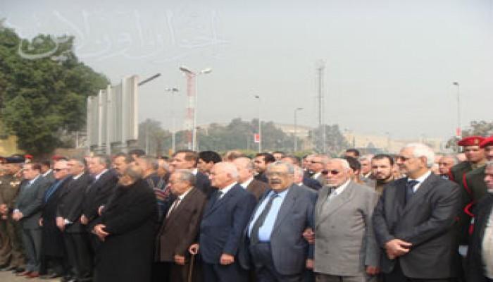 المرشد العام يشارك في تشييع جنازة د. عزيز صدقي رئيس وزراء مصر الأسبق