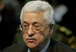 واضعو الدستور الفلسطيني ينتقدون قرارات عباس وتجاوزه للتشريعي