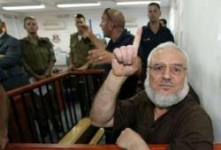الدويك والنواب الأسرى يطالبون عباس بالحوار الفلسطيني الداخلي