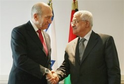 الصهاينة يعيدون التنسيق الأمني مع عباس بشرط عدم الحوار مع حماس