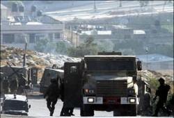 """المقاومة تتصدى للصهاينة وتصيب 8 جنود بنابلس و""""الأقصى"""" ترفض حلها"""