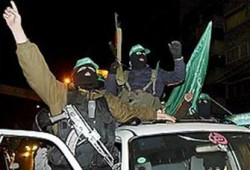 الفصائل الفلسطينية ترفض قرار عباس حظر أجنحة المقاومة