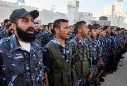 قرار حل الأجنحة العسكرية.. ضرب المشروع الفلسطيني
