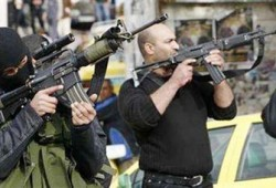 حماس تطالب عباس بوقف اعتداءات الانقلابيين وعزل صهيوني لغزة