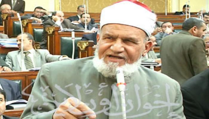 الشيخ عقل يتهم أحمد عز بالتلاعب في أسعار الحديد