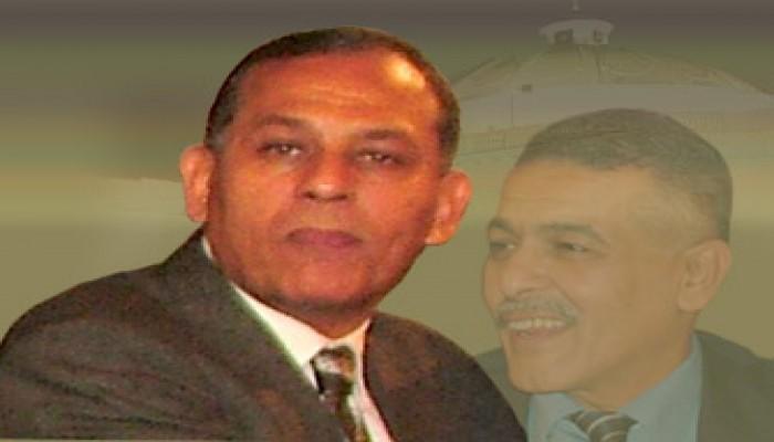 النائب أنور السادات يؤكد ثقته في المؤسسة العسكرية ويرفض التصعيد ضد شقيقه
