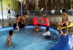 أطفالنا والسباحة بدون مخاطر.. كيف؟!