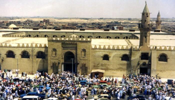 جامع عمرو بن العاص يبحث عن مجده القديم