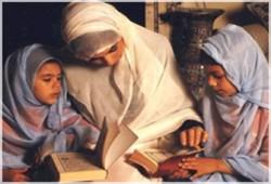 الأمومة رحلة جهاد وتفانٍ
