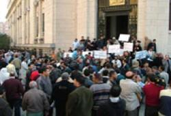 أول قانون إخواني لإلغاء المحاكم العسكرية