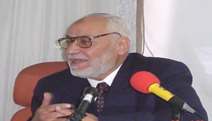 عاكف يطالب العرب والمسلمين بدعم الشعب الفلسطيني