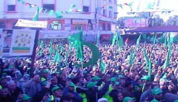 الحلايقة مرشحة حماس: دخولنا التشريعي يحمي المقاومة