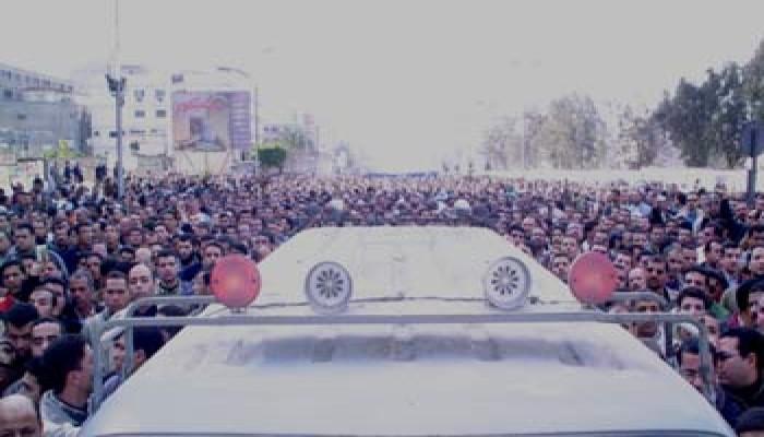 """أكثر من (300) ألف صلوا الجنازة على الفقيد """"الهضيبي"""""""