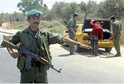 حماس تستنكر.. والسلطة تواصل جمع الأسلحة