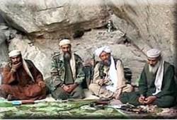 """""""الظواهري"""" و""""أبو غيث"""" وابن """"بن لادن"""" مازالوا أحرارًا"""
