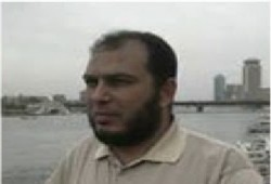 ابنة المعتقل أشرف متولي: ساعدوني أشوف بابا وأطمن عليه