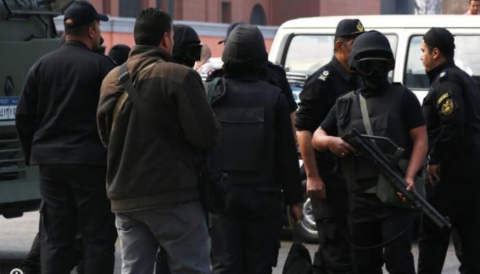 شرطة الانقلاب بالشرقية تعتقل عددا من المواطنين ظهر اليوم