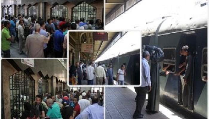 """سمسرة تذاكر القطارات.. """"عيدية"""" الانقلاب في الأضحى"""