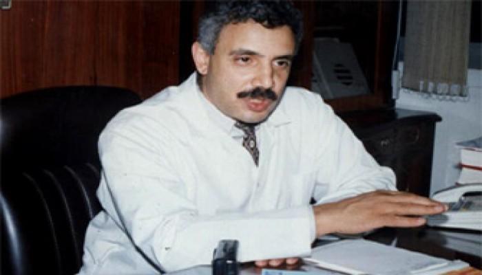 د. محمود أبوزيد يتعرض للقتل البطيء بالإهمال الطبي