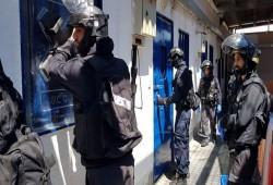 """وحدات صهيونية تعتدي بوحشية على الأسرى في """"سجن جلبوع"""""""