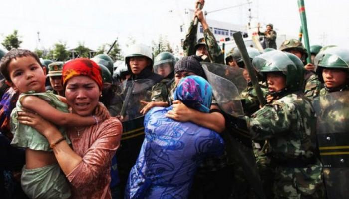 """""""نيويورك تايمز"""" تسلط الضوء على القمع الصيني لسحق مسلمي """"الإيجور"""""""