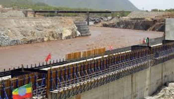"""15 مليار متر مكعب سنويًّا.. إثيوبيا تواصل ملء """"النهضة"""" رغم أنف السيسي"""