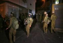 اعتقال اثنين وإصابة 46 في حملات دهم بالضفة والقدس