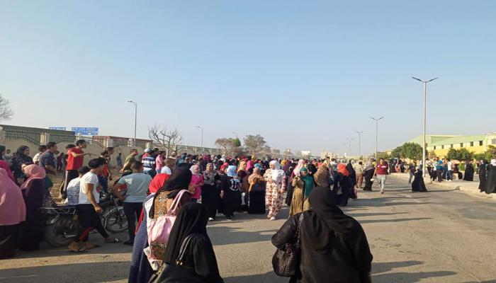 شرطة الانقلاب تعتقل العشرات خلال فض مظاهرة عمالية بالإسماعيلية