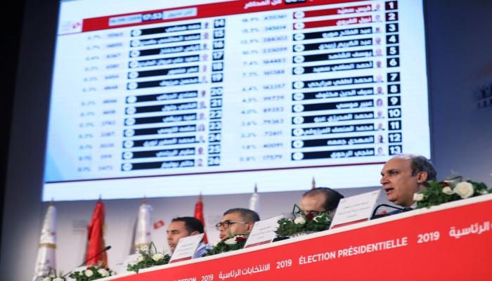 لماذا نجحت تونس في انتخاباتها وفشلت مصر؟.. فتش عن العسكر